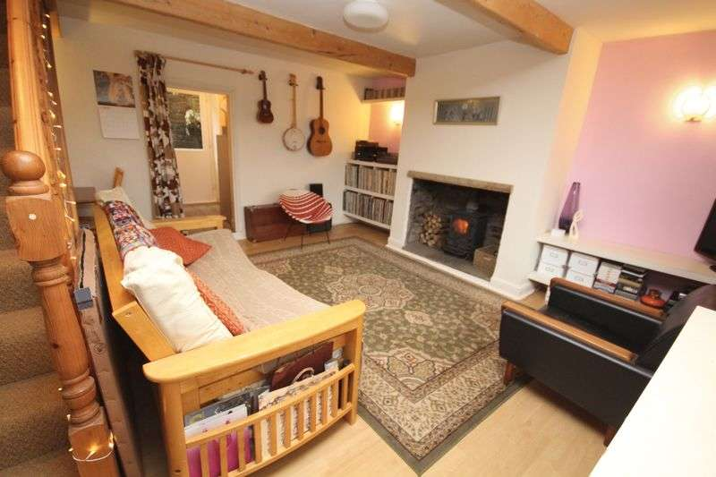 2 Bedrooms Cottage House for sale in HALL FOLD, Whitworth, Rochdale OL12 8TT
