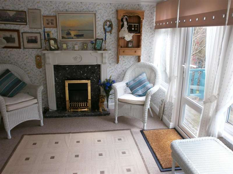 4 Bedrooms Detached House for sale in Princes Esplanade, Cowes, Isle of Wight