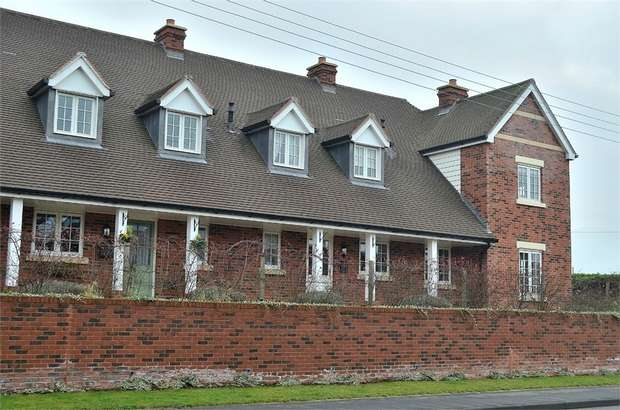 2 Bedrooms Terraced House for sale in Halstead, Essex