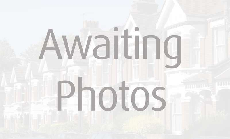3 Bedrooms Semi Detached House for sale in Central Hayes Town, Middlesex
