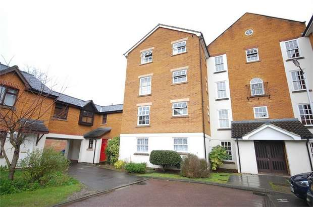 Flat for sale in Moriatry Close, London