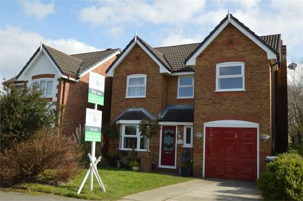 4 Bedrooms Detached House for sale in Haweswater Crescent, Unsworth, BURY, Lancashire