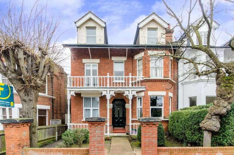 2 Bedrooms Flat for sale in Elm Grove, Wimbledon, SW19