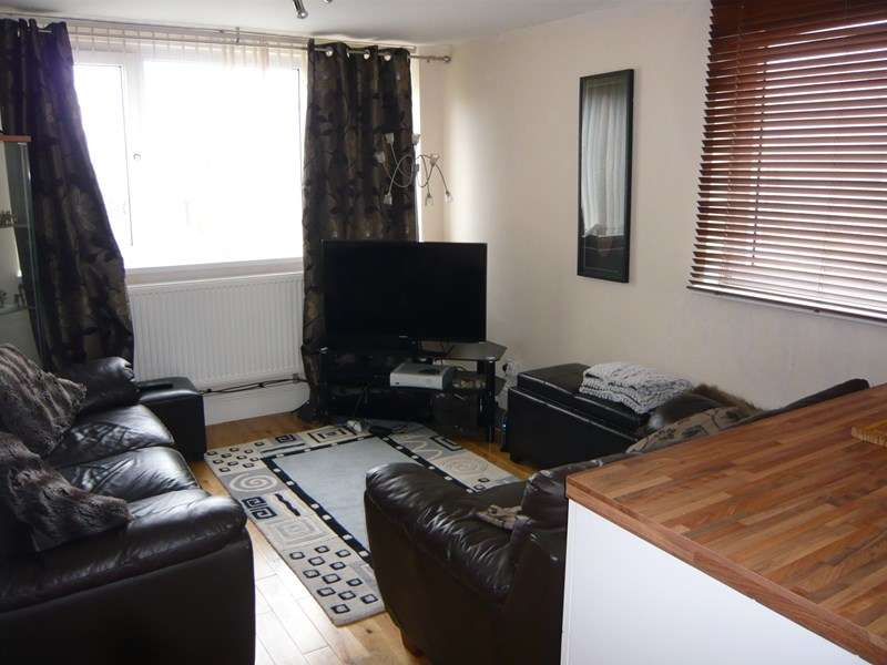 1 Bedroom Flat for sale in Steward Crescent, South Shields