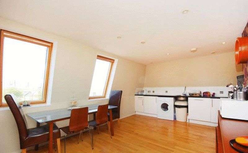 3 Bedrooms Flat for sale in Camberwell Road, London