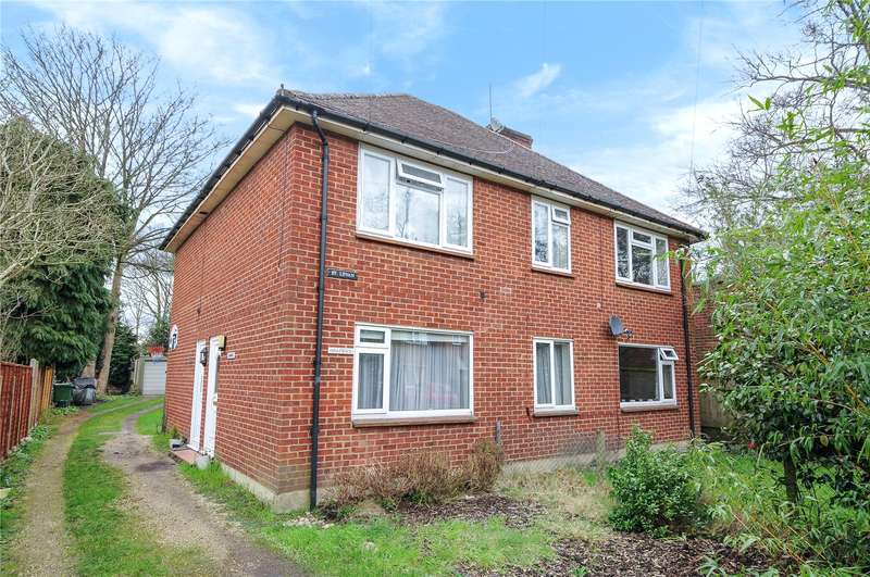 3 Bedrooms Maisonette Flat for sale in Whins Drive, Camberley, Surrey, GU15