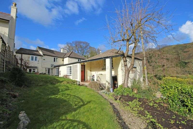 3 Bedrooms Detached House for sale in Pentrefelin, Llangollen