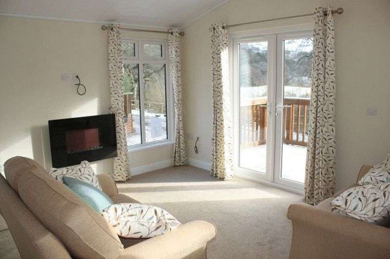 2 Bedrooms Bungalow for sale in 27 Stoneyfold Caravan Park Stoneyfold Bosley SK11 0PR