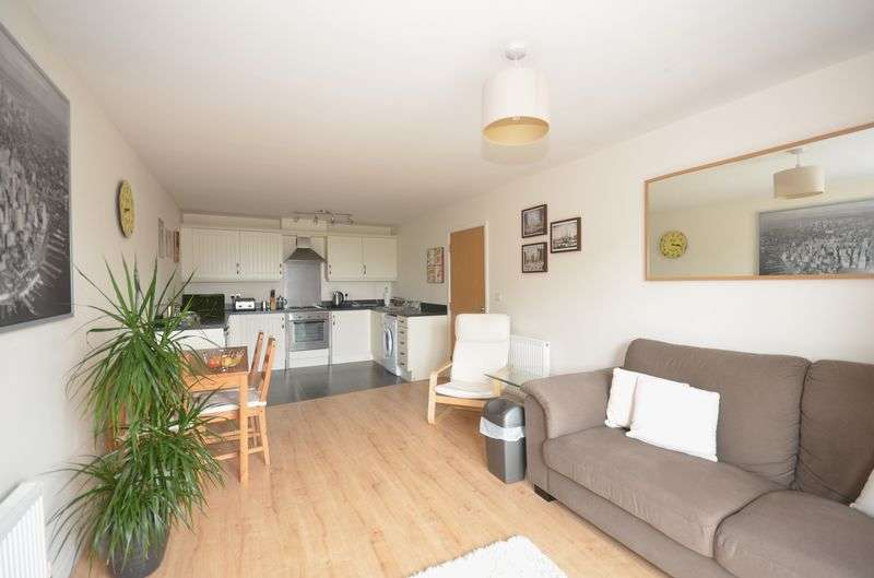 2 Bedrooms Flat for sale in Adamson House, Old Coach Road