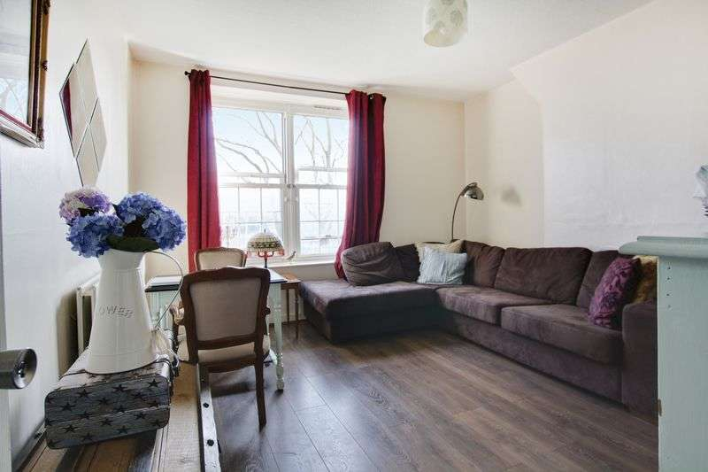 2 Bedrooms Flat for sale in Welland Street, Greenwich, SE10