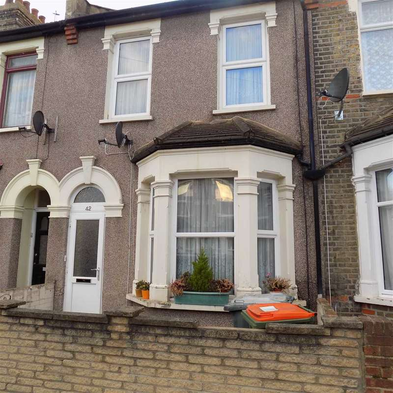 2 Bedrooms Terraced House for sale in Chesley Gardens, east ham, london
