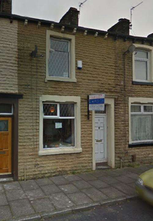 3 Bedrooms Terraced House for sale in Carter Street, Burnley, BB12 6EB
