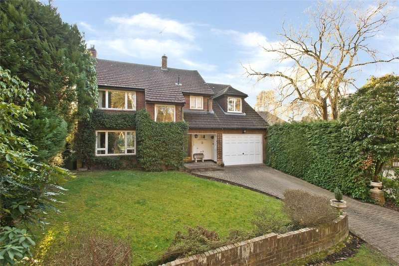 4 Bedrooms Detached House for sale in Roundhill Way, Cobham, Surrey, KT11