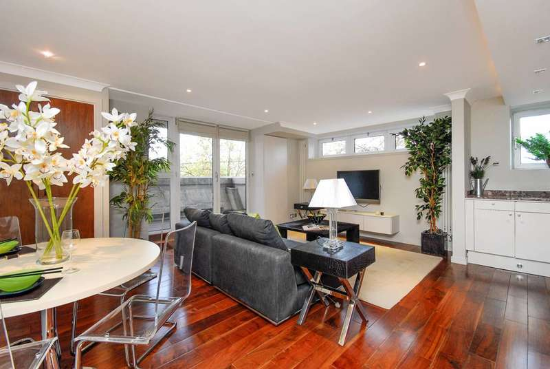 2 Bedrooms Flat for sale in St John's Wood Road, St John's Wood, NW8