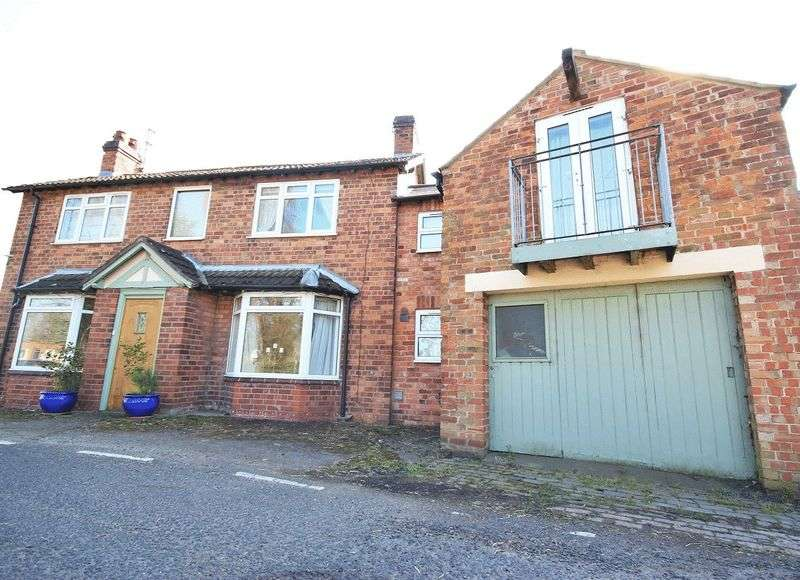 4 Bedrooms Detached House for sale in Hampton, Malpas