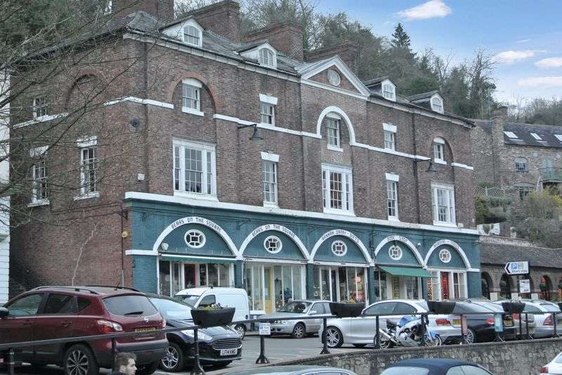 1 Bedroom Flat for sale in The Square, Ironbridge, Telford, Shropshire.
