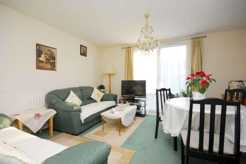 1 Bedroom Flat for sale in Denmark Road, Harringay, N8