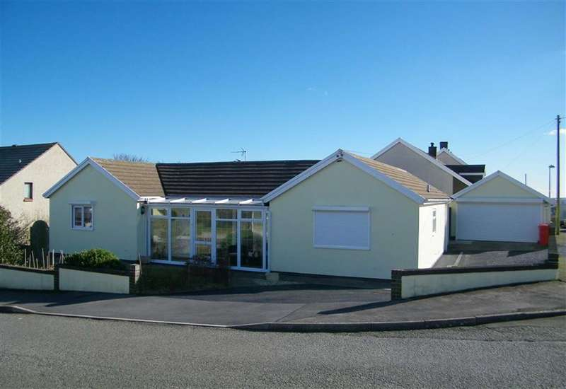 4 Bedrooms Property for sale in Westaway Drive, Hakin, Milford Haven