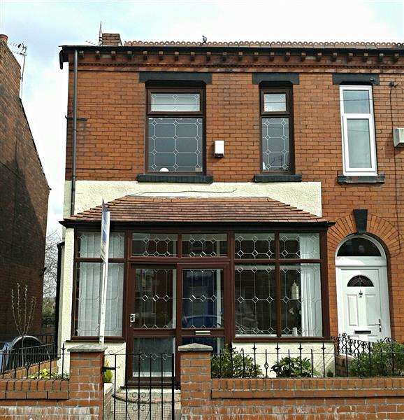 3 Bedrooms Semi Detached House for sale in Parkfield Road, Manchester