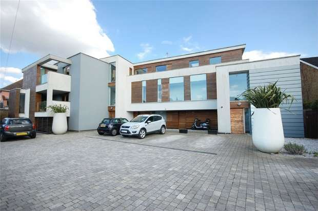 3 Bedrooms Flat for sale in Cranmer Road, Hampton Hill