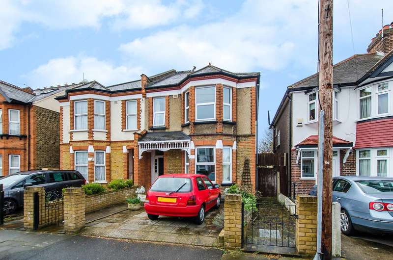 3 Bedrooms Semi Detached House for sale in Graham Avenue, Mitcham, CR4