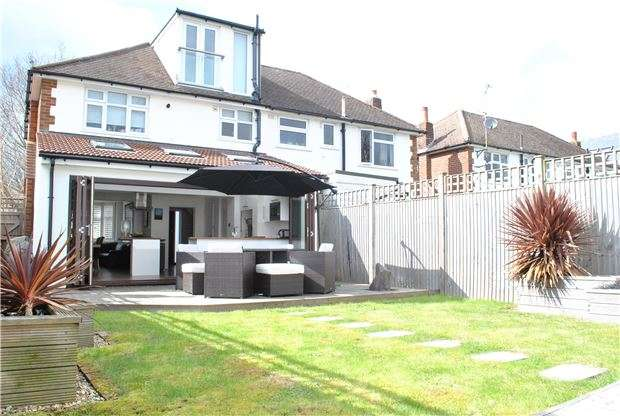 3 Bedrooms Semi Detached House for sale in Reynolds Lane, TN4 9XJ