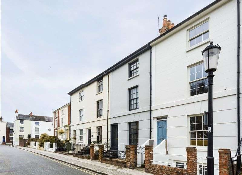 4 Bedrooms Terraced House for sale in St. James's Road, Southsea