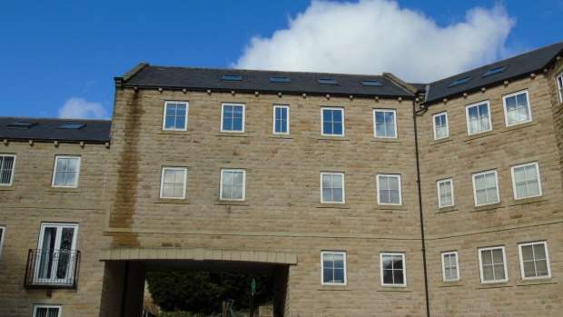 4 Bedrooms Apartment Flat for sale in 3 WOODCOTE FOLD KEIGHLEY OAKWORTH
