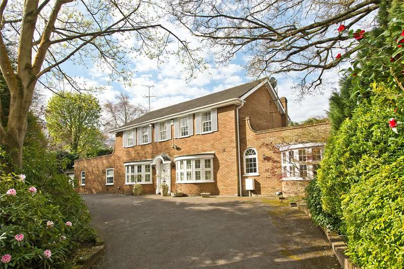 4 Bedrooms Detached House for sale in Randolph Close, Kingston upon Thames, KT2