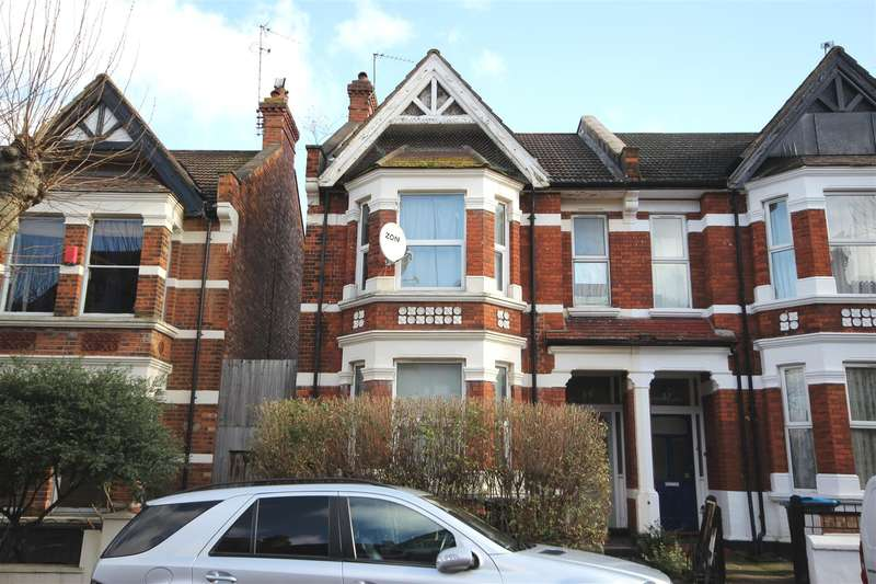 3 Bedrooms Flat for sale in Harlesden