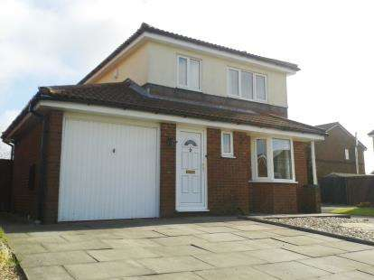 3 Bedrooms Detached House for sale in Ennerdale Road, Longridge, Preston, Lancashire, PR3