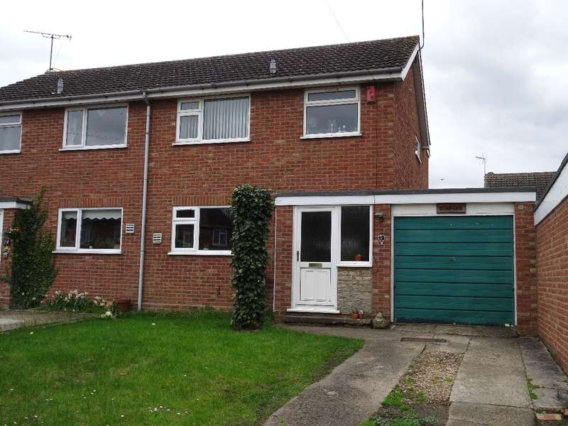3 Bedrooms Semi Detached House for sale in BROOKSIDE, BOZEAT