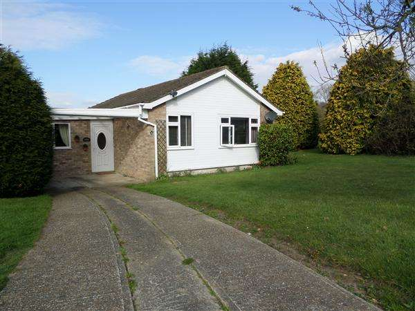 3 Bedrooms Bungalow for sale in Kingfisher Avenue, Hythe