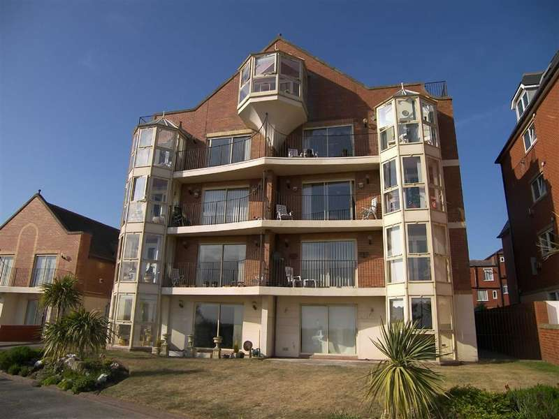 2 Bedrooms Property for sale in Hillcliffe, Lytham St Annes, Lancashire