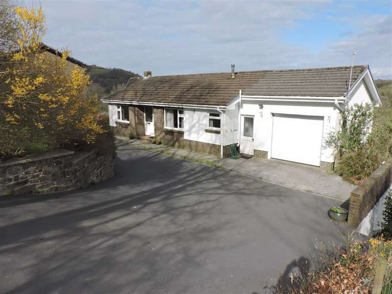 3 Bedrooms Detached House for sale in Sunny Hill, Llandysul