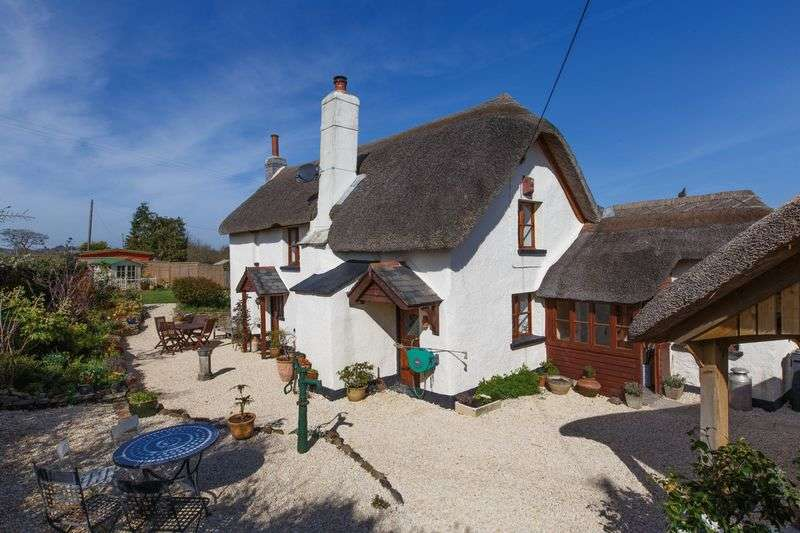 4 Bedrooms Detached House for sale in Cheriton Bishop, Exeter