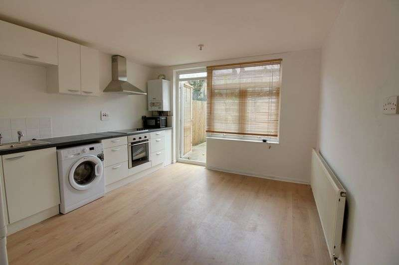3 Bedrooms Terraced House for sale in Sandringham Road, London