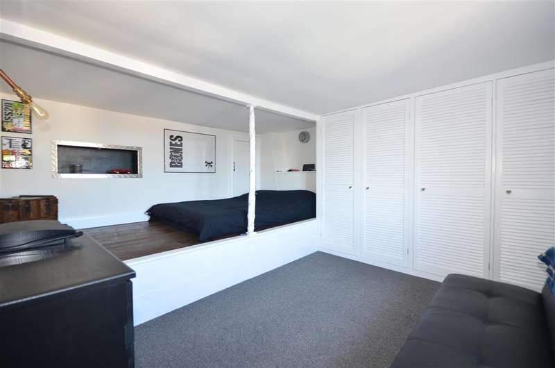 4 Bedrooms End Of Terrace House for sale in Spencer Square, Ramsgate, Kent