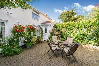2 Bedrooms Terraced House for sale in West Row, Sadberge, Darlington, Durham