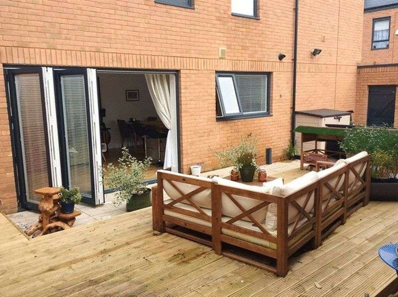 3 Bedrooms Detached House for sale in Rodick Street, Woolton, Liverpool, L25