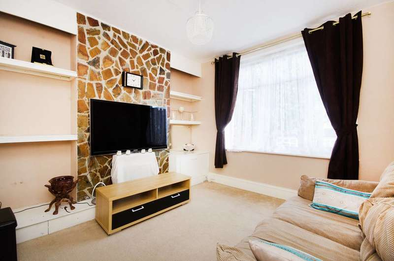 2 Bedrooms Maisonette Flat for sale in Kettering Street, Furzedown, SW16