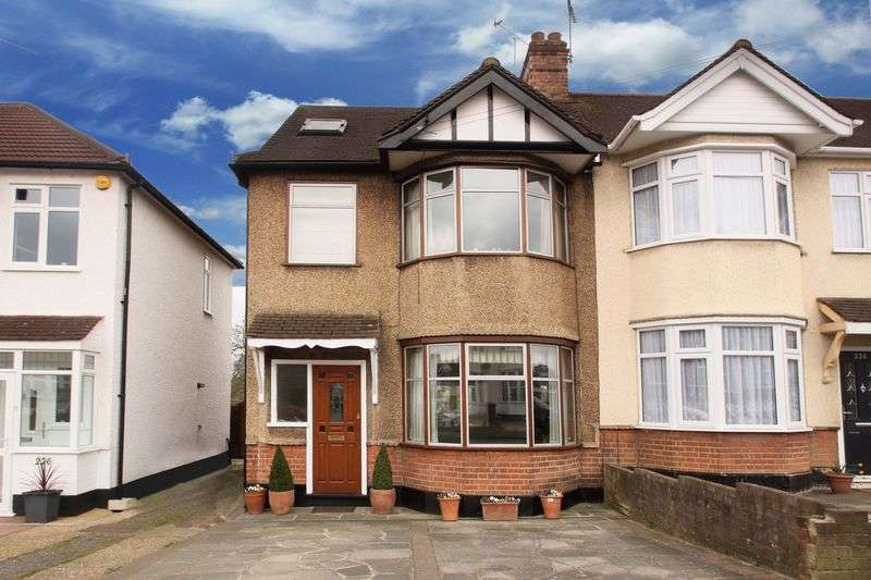 4 Bedrooms Semi Detached House for sale in Buckhurst Way, Buckhurst Hill