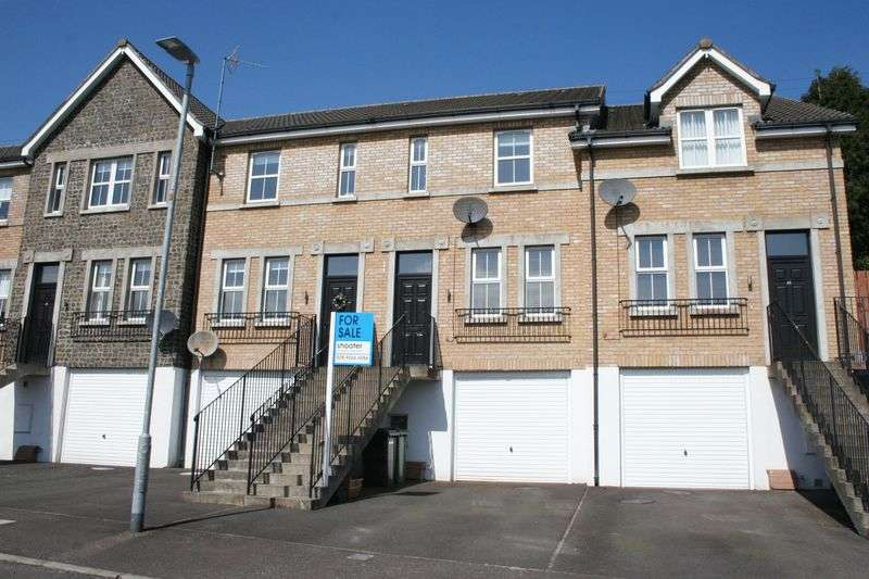 3 Bedrooms Terraced House for sale in 9 Princes Gate, Dromore
