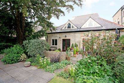 2 Bedrooms Detached House for sale in Helena Court, Hampton Street, Tetbury