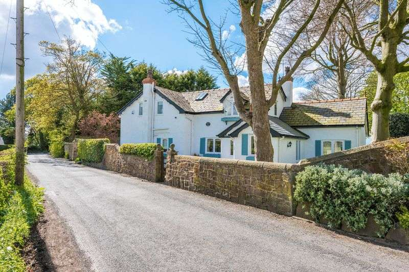 4 Bedrooms Detached House for sale in Mill Lane, Aughton
