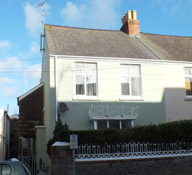 4 Bedrooms Semi Detached House for sale in Sunbury, Harding Villas, Harding Street, Tenby