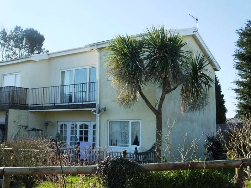 2 Bedrooms Flat for sale in Sun Valley Drive, Saundersfoot, Pembrokeshire