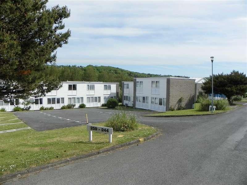 2 Bedrooms Flat for sale in Freshwater East, Pembroke