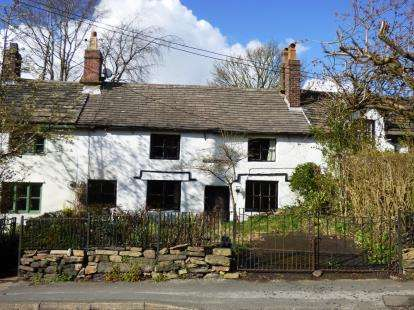 3 Bedrooms Terraced House for sale in Buxton Old Road, Disley, Stockport, Cheshire