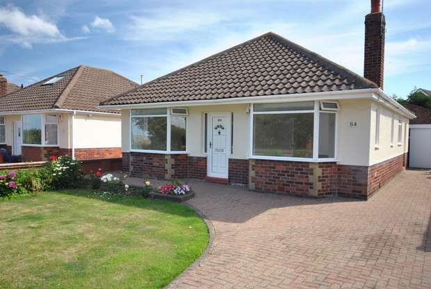2 Bedrooms Detached Bungalow for sale in 84 Leach Lane, Lytham St Annes, Lancashire